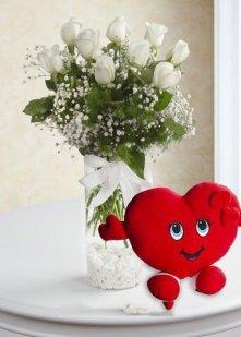 Beyaz Güller Kalp Yastık
